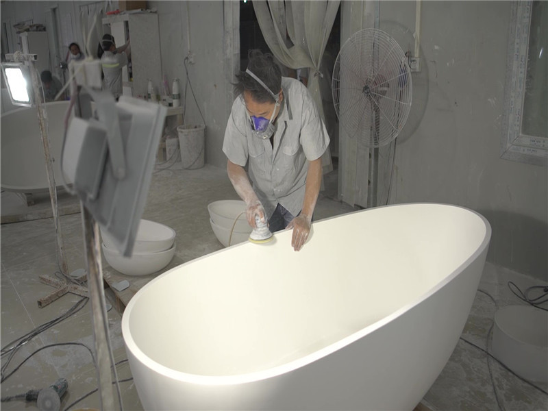Bathtub surface polishing